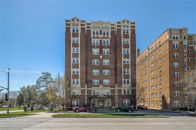 323 Bush Creek Boulevard 4C, Kansas City, MO 64112 (#2198428) :: Eric Craig Real Estate Team