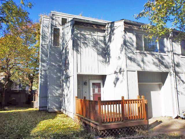 12016 W 66Th Street, Shawnee, KS 66216 (#2198442) :: The Gunselman Team