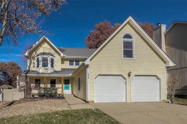15800 W 150th Street, Olathe, KS 66062 (#2198449) :: House of Couse Group