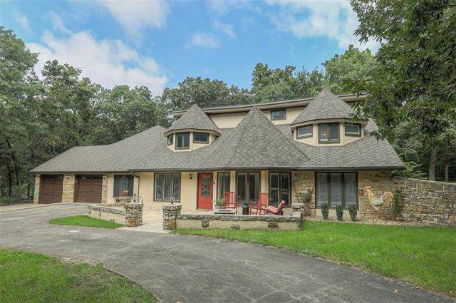 26412 S Hickory Hills Drive, Harrisonville, MO 64701 (#2198491) :: Ask Cathy Marketing Group, LLC