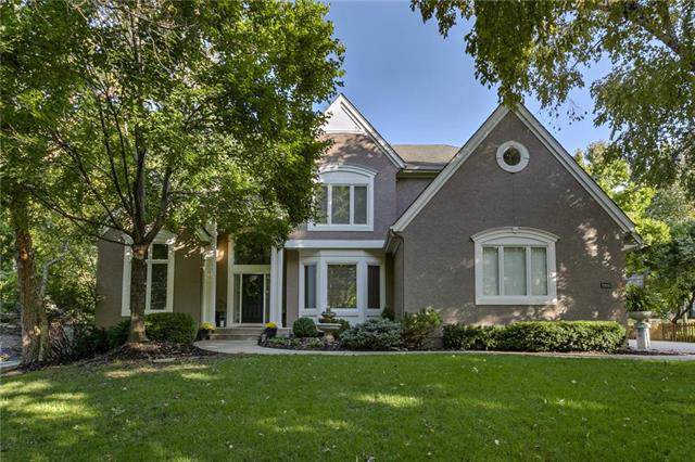 2916 W 125th Street, Leawood, KS 66209 (#2198547) :: House of Couse Group