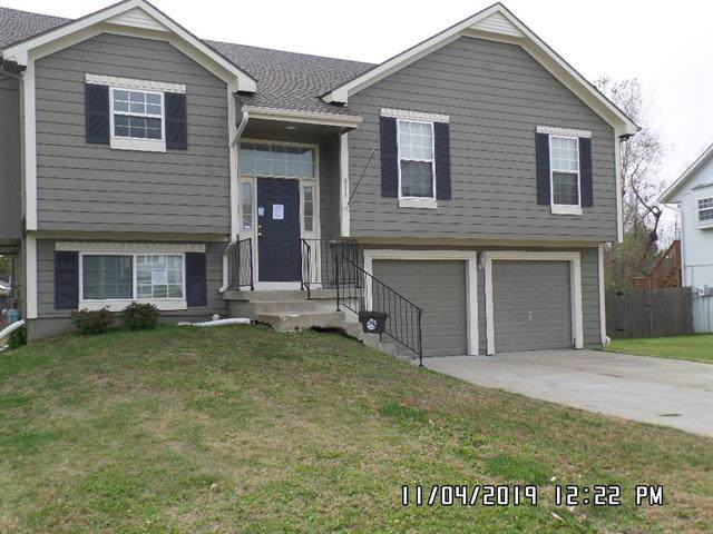 311 Berkshire Drive, Belton, MO 64012 (#2198578) :: Clemons Home Team/ReMax Innovations