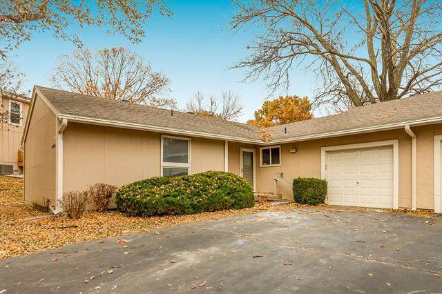 12722 W 108th Terrace, Overland Park, KS 66210 (#2198582) :: House of Couse Group