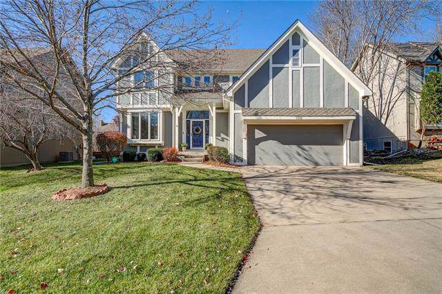 13212 Carter Street, Overland Park, KS 66213 (#2198692) :: House of Couse Group
