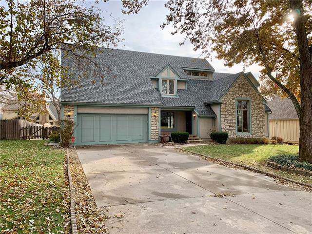 11319 Mackey Street, Overland Park, KS 66210 (#2198716) :: House of Couse Group