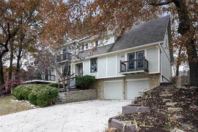 3615 NE Basswood Drive, Lee's Summit, MO 64064 (#2198756) :: Clemons Home Team/ReMax Innovations