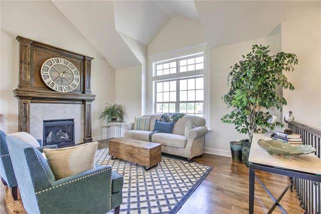 806 Cedar Ridge Drive, Raymore, MO 64083 (#2198799) :: Clemons Home Team/ReMax Innovations
