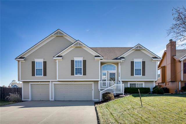 1009 NE Depot Drive, Lee's Summit, MO 64086 (#2198832) :: House of Couse Group