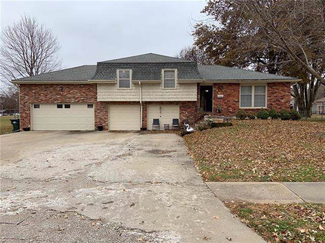 11701 W 49 Terrace, Shawnee, KS 66203 (#2198865) :: House of Couse Group