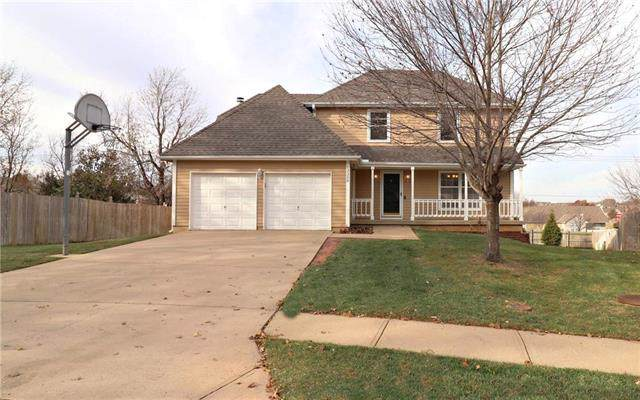 13350 W 112TH Terrace, Overland Park, KS 66210 (#2198869) :: House of Couse Group