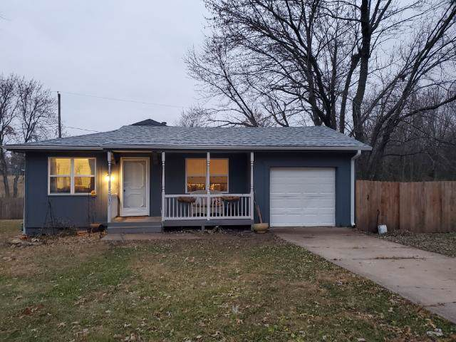 217 W Mcdonald Street, Edgerton, KS 66021 (#2198871) :: House of Couse Group