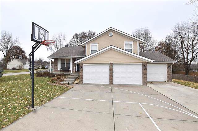 307 Amesbury Drive, Smithville, MO 64089 (#2198917) :: Clemons Home Team/ReMax Innovations