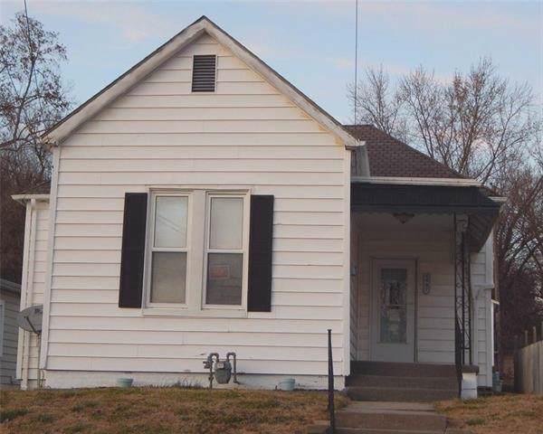 1907 Pacific Street, St Joseph, MO 64503 (#2199036) :: Eric Craig Real Estate Team