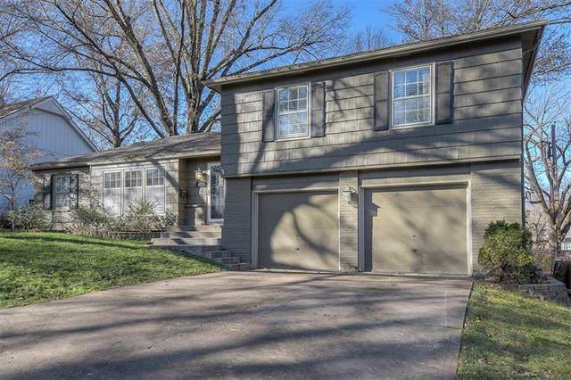 5712 W 92nd Street, Overland Park, KS 66207 (#2199093) :: NestWork Homes