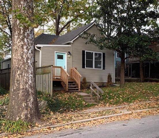 712 E 43rd Street, Kansas City, MO 64110 (#2199106) :: Team Real Estate