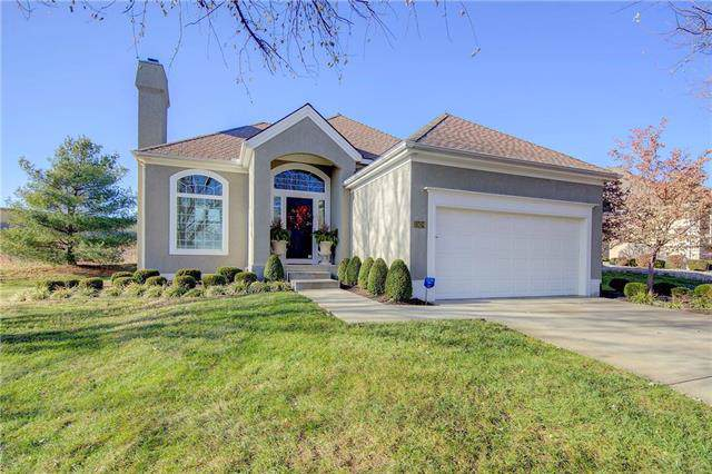 13424 Summit Court, Kansas City, MO 64145 (#2199124) :: Eric Craig Real Estate Team