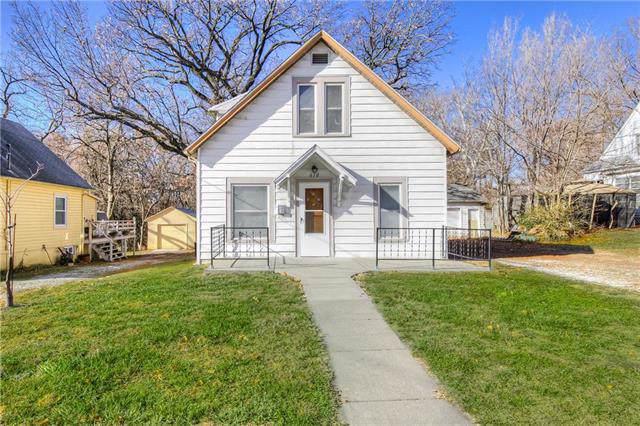 610 N Nettleton Avenue, Bonner Springs, KS 66012 (#2199159) :: Eric Craig Real Estate Team