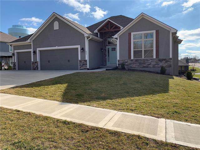 804 SE Hillside Circle, Blue Springs, MO 64014 (#2199336) :: Eric Craig Real Estate Team