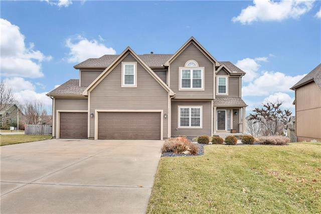 2401 SW Current Lane, Lee's Summit, MO 64082 (#2199612) :: Team Real Estate