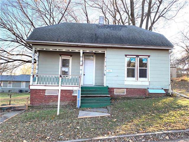 110 W Cherry Street, St Joseph, MO 64505 (#2199615) :: Eric Craig Real Estate Team