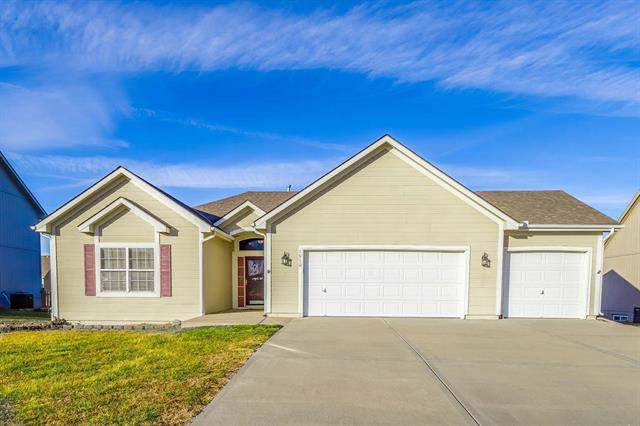 1910 Sequoia Drive, Raymore, MO 64083 (#2199648) :: Ask Cathy Marketing Group, LLC