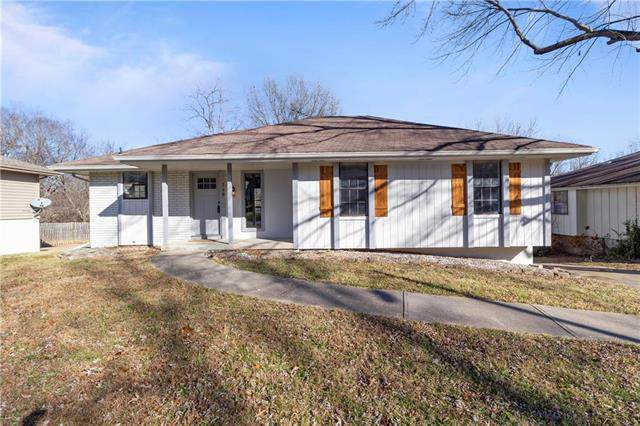 118 SE 2nd Street, Blue Springs, MO 64014 (#2199652) :: NestWork Homes