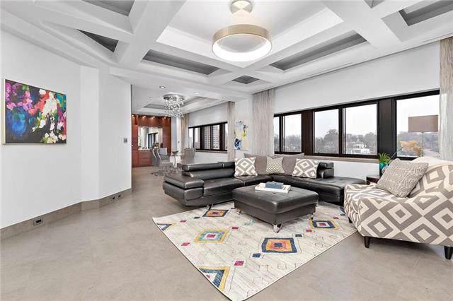 803 W 48th Street #1206, Kansas City, MO 64112 (#2199767) :: Eric Craig Real Estate Team