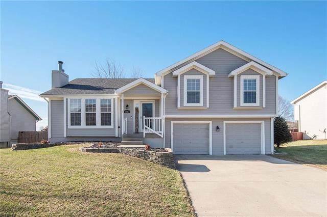 1752 Ray Street, Liberty, MO 64068 (#2199801) :: Clemons Home Team/ReMax Innovations