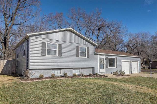 9102 W 99th Terrace, Overland Park, KS 66212 (#2199826) :: NestWork Homes
