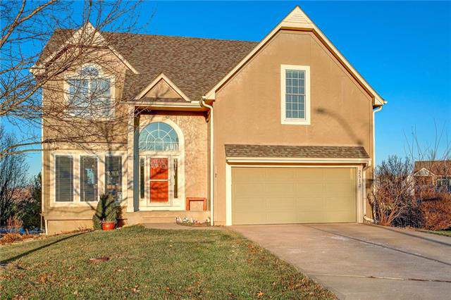2512 SW 9th Terrace, Lee's Summit, MO 64081 (#2199850) :: NestWork Homes