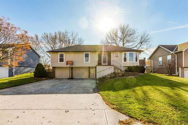 2111 NE Knollbrook Street, Lee's Summit, MO 64086 (#2199863) :: NestWork Homes