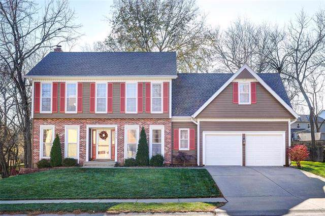 5619 W 157th Street, Overland Park, KS 66223 (#2199873) :: NestWork Homes