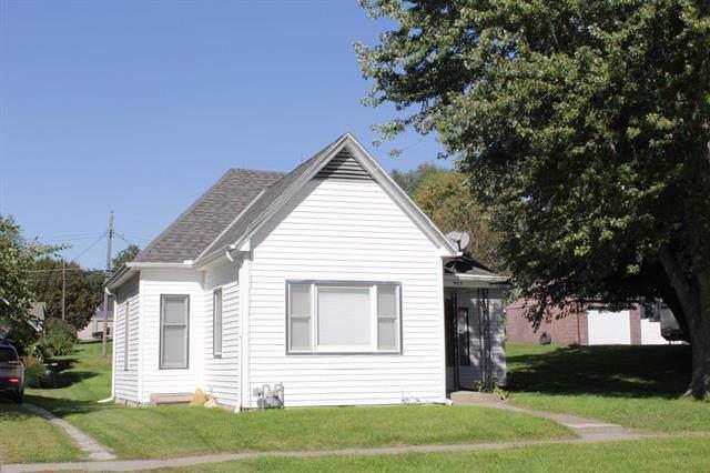 905 W Chestnut Street, Savannah, MO 64485 (#2199924) :: Edie Waters Network