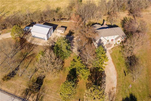 4510 W 215th Street, Bucyrus, KS 66013 (#2199958) :: Eric Craig Real Estate Team