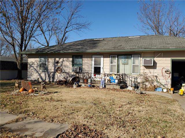 312 E Elm Street, Blue Mound, KS 66010 (#2199967) :: Kedish Realty Group at Keller Williams Realty