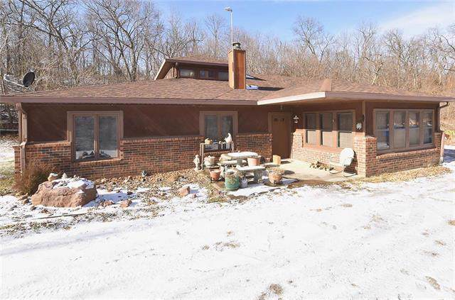 1608 Sunrise Drive, Smithville, MO 64089 (#2199976) :: Edie Waters Network