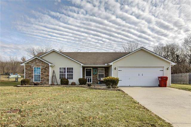 503 N Salem Road, Oak Grove, MO 64075 (#2199978) :: Clemons Home Team/ReMax Innovations