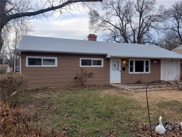 11224 Crystal Avenue, Kansas City, MO 64134 (#2200028) :: Team Real Estate