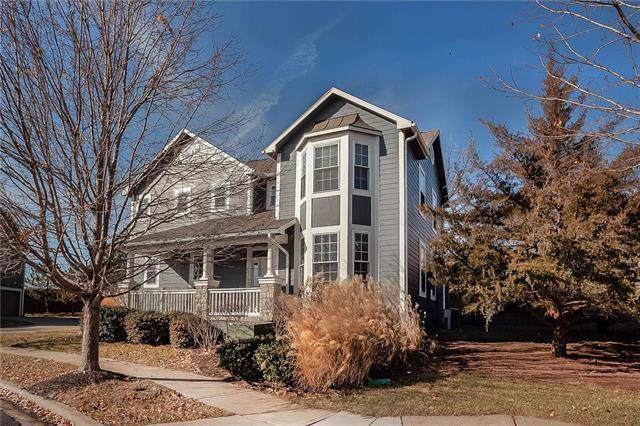 16164 Granada Street, Overland Park, KS 66085 (#2200032) :: Eric Craig Real Estate Team