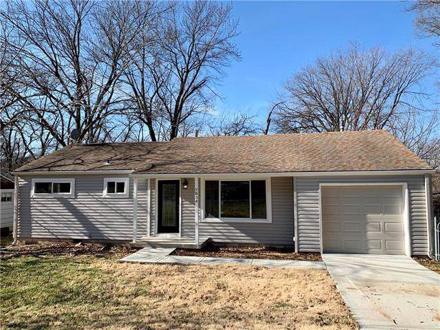 7834 Ash Street, Prairie Village, KS 66208 (#2200034) :: Team Real Estate