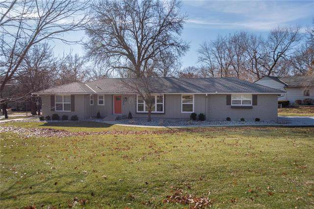 10400 High Drive, Leawood, KS 66206 (#2200043) :: The Shannon Lyon Group - ReeceNichols