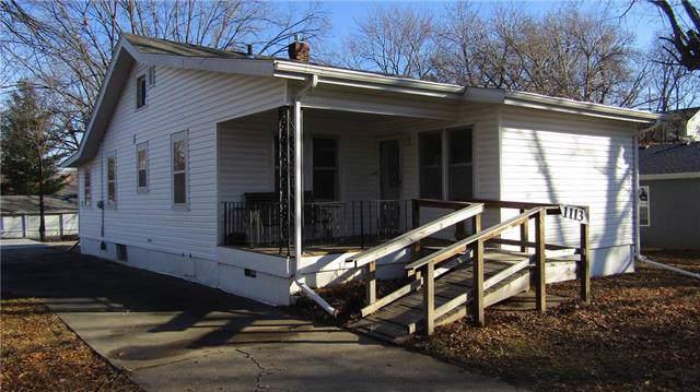 1113 S 23rd Street, St Joseph, MO 64507 (#2200058) :: Eric Craig Real Estate Team