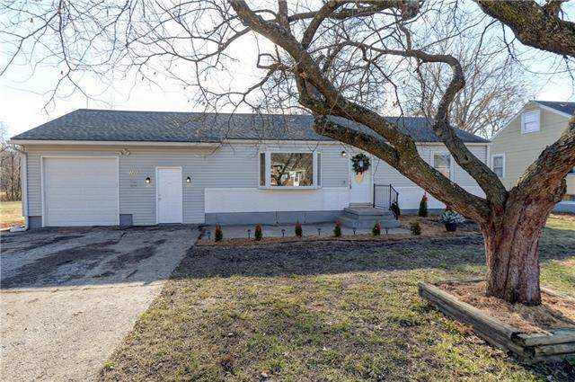 11223 E 25th Street, Independence, MO 64052 (#2200070) :: Clemons Home Team/ReMax Innovations