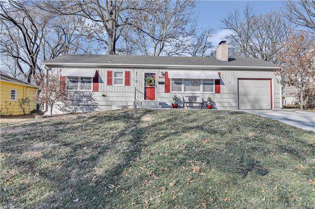 8600 W 69th Street, Overland Park, KS 66204 (#2200087) :: Team Real Estate