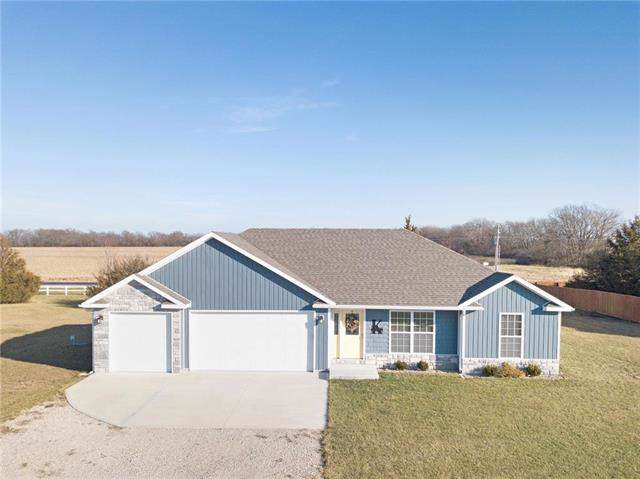 395 SE 991 Road, Knob Noster, MO 65336 (#2200104) :: Eric Craig Real Estate Team