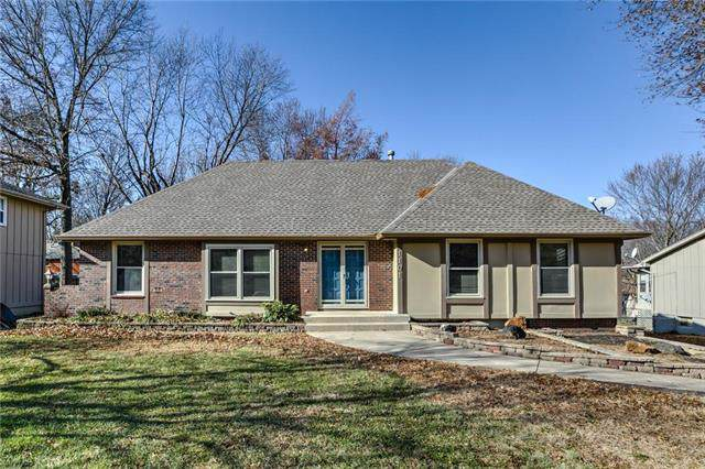 1101 SW 15th Street, Blue Springs, MO 64015 (#2200107) :: Clemons Home Team/ReMax Innovations