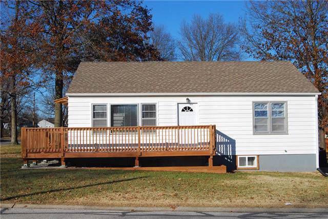 1420 Main Street, Osawatomie, KS 66064 (#2200111) :: Eric Craig Real Estate Team