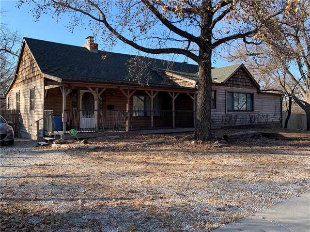9600 Wornall Road, Kansas City, MO 64114 (#2200119) :: Eric Craig Real Estate Team