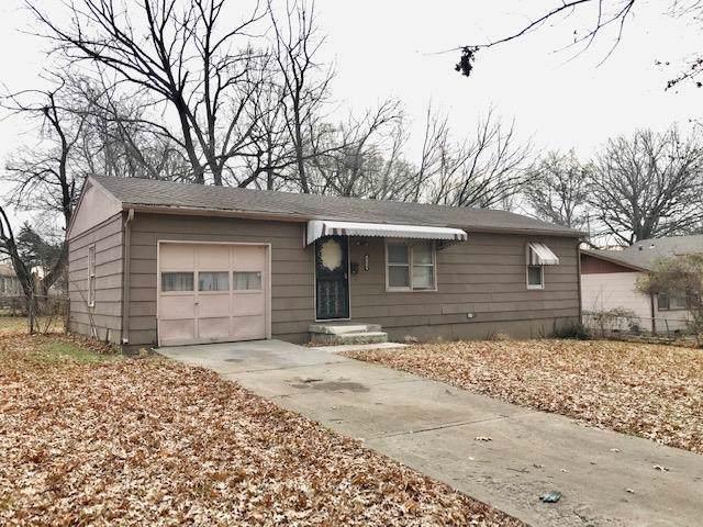 4129 Vineyard Road, Kansas City, MO 64130 (#2200134) :: Team Real Estate