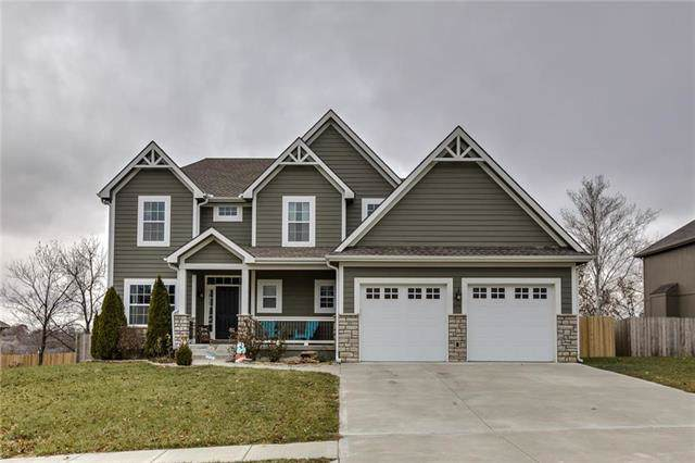 204 Carriage Court, Smithville, MO 64089 (#2200152) :: Clemons Home Team/ReMax Innovations